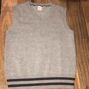 Gap grey vest, size 5 toddler